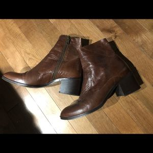 Gorgeous Intervalle leather boots